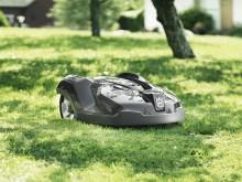 Automower klipper græsset for boligforening (4)