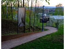 Fra utstillingen: fotografiene er printet på hvitlakkerte aluminiums komposittplater