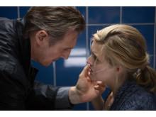 Liam Neeson och Maggie Grace i Taken 3