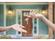 Schlüsselübergabe zum eigenen Ferienhaus