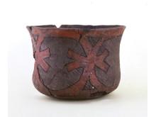 Kärl i keramikstilen Jōmon. Foto: Fukui Prefectural Wakasa History Museum