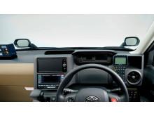 Förarplatsen är optimerad för taxibruk, med tex navigator och taxameter inom bekvämt räckhåll för föraren