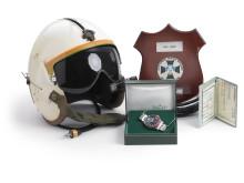 Med uret følger kaptajn Sprinkels helikopterhjelm, Rolex-æske, certifikat og kvittering.