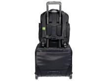 Smart Traveller ryggsäck - fastsatt på trolley väska