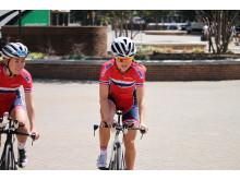 Ingvild Gåskjenn(venstre) og Susanne Andersen under sykkel-VM 2015