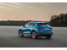 Audi Q3 (turboblå) statisk bagfra