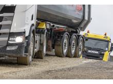 Scania Bau-Lkw mit der Trailerachse SAF TRAK