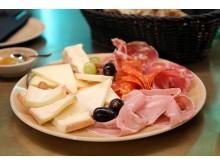 Neben Wein bietet das Château9 handgefertigte italienische und spanische Spezialitäten an