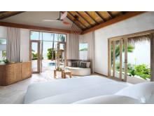 Fairmont Maldives Sirru Fen Fushi – Beach Villa Premium Bedroom
