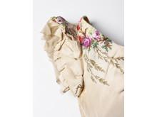 Uppklädd – 1870-tal detalj
