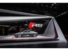 The new Audi R8 V10 on the Geneva Motorshow 2015 (side)