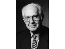Dr. Walther Müller, Verleger und ehemaliger Geschäftsführer der Rudolf Müller Mediengruppe in Köln