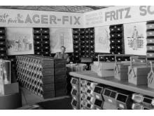 Vuonna 1954 SSI Schäferillä oli Lager-Fix laatikko mukana Hannover messuilla