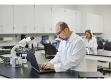 Technician working on the HP ProBook 640 in lab