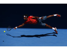 'Superman' - Gael Monfils dives at Australian Open 2016