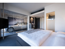 V8 Hotel Cologne@MOTORWORLD, Car Suite Bentley