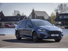 Ford Mondeo Hybrid ST-Line