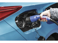 2016-toyota-prius-plug-in-hybrid-07