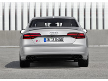 Audi S8 plus i Florett Silver matt static rear