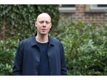 Emil Svensson arbetar på Barnfondens givarservice och som kommunikatör med särskilt fokus på sociala medier.