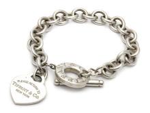 Moderna 8/8, Nr: 23, TIFFANY & CO, armband, sterling silver, berlock i form av hjärta