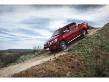 Toyotas ikoniska pickup-modell Hilux kommer nu i en helt ny generation