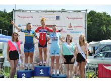 Susanne Andersen på toppen av pallen i European Junior Cycling Tour Assen