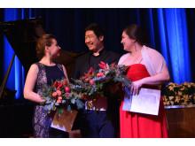 Glückliche Gewinner beim 17. Maritim Musikpreis 2016, v.l.n.r. Marina Medvedeva (2. Preis Gesang), Gihoon Kim (1. Preis), Johanna Will (3. Preis), Fo