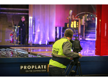 Discovery Channels filmteam hos Proplate