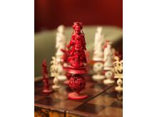 Schackspel, lackarbete och schackpjäser av ben, Kanton, 1850-tal.