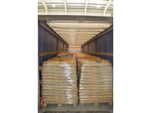 E 03 18 Pallets within lorry