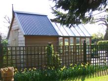 Cederträ & glas i vackraste växthuset från Gabriel Ash