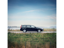 Ny kampanj från Volvo Cars hyllar Sommarsverige