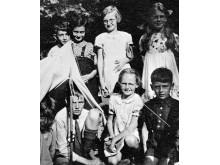 Anne under ett sommarläger för stadsbarn i Laren, inte så långt från Amsterdam, 1937.