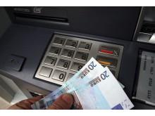 Minibankuttak i utlandet