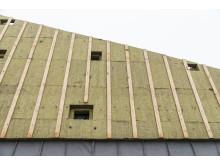 Holmen svømmehall bruker fasadeisoleringssystemet REDAir FLEX
