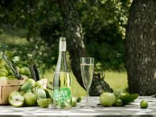 Fizzy LOVE med äpplen och glas, liggande bild