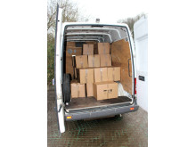 SE 06.17 Boxes containing  cigarettes in back of van
