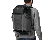 Camera_BackPack_Lowepro_Photo_Active_BP_300_LP37255-PWW_onbody_4C