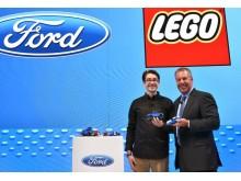 A Ford és a LEGO Sebesség Bajnokai bemutatja a Mustang és az F-150 Raptor készleteket, hogy a gyermekeknek felépíthessék álmaikat