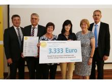 Foto: Maria Kulzer aus Ascha gewinnt den Bürgerenergiepreis Niederbayern 2015.