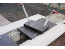 Fibrelite trench cover and FL7 lifting handles used for safe removal and replacement