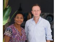 Carl Danielsson, teknisk chef på MedCardApps tillsammans med Joyce Musenge, Zambias fd ambassadör i Sverige och ivrig förespråkare av MedCardApps digitala patientjournalsystem.