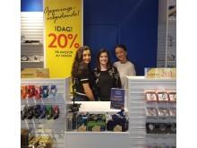 Visbytjejerna Jasmin, Katie (butikschef) och Vera.