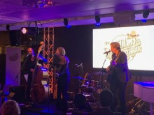 Anna Stadling trio sjungen Cash