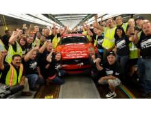 Nye Ford Mustang - første bil ut av linja i dag 28.08.2014