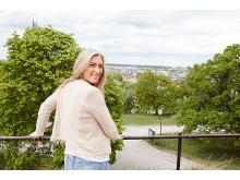 Pressbild Ulrika Lööf med vy över Uppsala