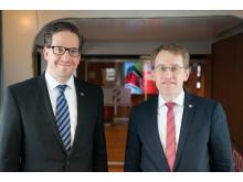 Stena Line Deutschland Geschäftsführer Ron Gerlach und Ministerpräsident Daniel Günther