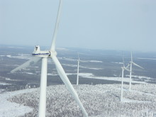 Aapua vindkraftpark i vinterlandskap