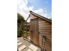Kombiväxthus med bod i cederträ